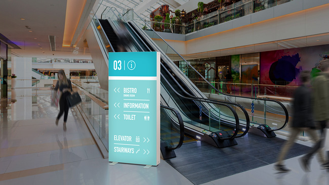 Luminous Pixlip GO stand-up display as an aid to orientation in a shopping mall